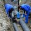 Siracusa – Ferragosto con problemi alla rete idrica per rottura di alcune tubazioni. Operai a lavoro per ripristinare la situazione.