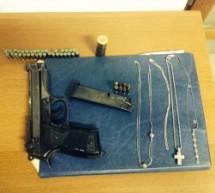 Pachino- Arrestato 19enne con pistola, preziosi e 2 motorini rubati- Avola: arrestato per spaccio di droga- Augusta: Donna denunciata per omessa custodia di armi.