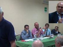Siracusa- Garozzo accerchiato dalle richieste di cambiamento, prende tempo parlando di ripresa del dialogo con il PD. Però Baio gli ripassa il cerino.