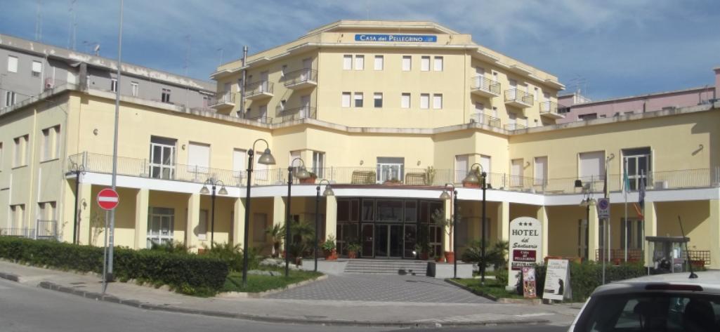 Siracusa l hotel del santuario affittato dal comune per for Hotel del santuario siracusa