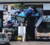 """Siracusa – Città invasa dalla spazzattura per improvviso sciopero dei lavoratori IGM durante il """"ponte"""" del 25 aprile. L'assessore chiede al Prefetto di precettare."""