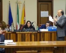 Augusta – Sul consiglio comunale…alla grillina, l'Assostampa difende i giornalisti dal divieto della presidente di ottenere notizie in aula. Comunicati e commento.