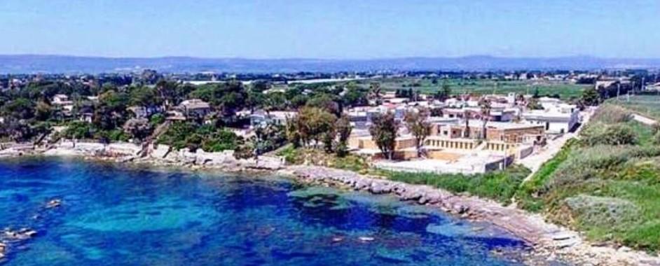 Siracusa – Contro il villaggio turistico di Terrauzza scende in campo anche SOS chiamando in causa Capitaneria, Procura e BB.CC.