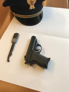 Il rasoio e la pistola modello