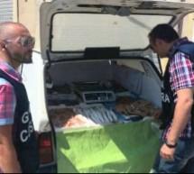 Siracusa – Multa da 4,500 euro e sequestro per un pescivendolo ambulante; La polizia esegue carcerazione e denuncia 5 persone. Lentini: Segnalazione per droga