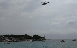 Elicottero dei carabinieri vigila sulla costa