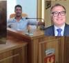 Priolo – Si dimettono i 3 consiglieri del PD, altri pensano di farlo dopo una riunione, ma Rizza ha sempre la maggioranza in aula e i tifosi.