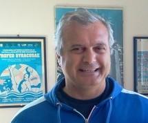 Siracusa – Sandro Campagna designato (per scherzo?) assessore regionale allo sport da Micari. Il sindaco Garozzo (per finta?) si congratula.