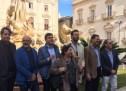Siracusa – Il restauro di una fontana diventa evento simile alla costruzione del ponte di Messina