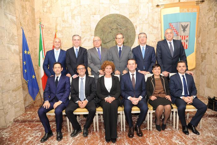 La nuova giunta regionale nominata dal presidente Nello Musumeci