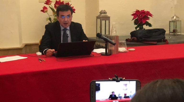 L'ex sindaco PD Massimo Carrubba esce dal silenzio con una conferenza stampa con tanto popolo augustano