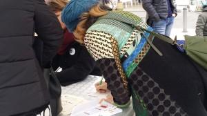 raccolta delle firme per la petizione