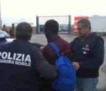 Siracusa: Arrestato somalo evaso dai domiciliari; Denunciato perchè assente al controllo di Ps. Avola- Truffa e sostituzione di persona con assegno falso.