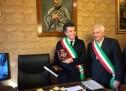 Avola- Iniziata l'esperienza dei due sindaci (Cannata e Bagnasco) che si scambianno il posto.