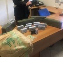 Siracusa: Rinvenuti 25 kg di hashish; eseguito ordine carcerazione – Rosolini- Arrestato per l'aggressione al tunisino che si relazione con la figlia 16 enne. Lentini- Tenta rapina in negozio ma viene arrestato.