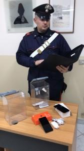 I cellulari rubati recuperati dai carabinieri