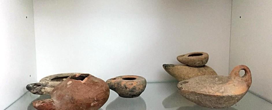 Noto- La GDF  recupera in casa di un dirigente della Regione molti reperti archeologici del VI secolo a.C