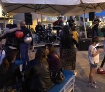 """Augusta – """"Gira vota e furria"""", i commercianti fanno da sè pure per il concerto del 1 maggio. La ztl a Brucoli fa pienone e il Comune pensa di far pagare il parcheggio quanto una pizza"""