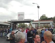Siracucusa – Bruno Marziano contro la politica dissennata del mordi e fuggi di Lukoil