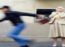 Lentini – controlli del territorio con scippatore arrestato. Avola – denunciato perchè minacciava con un martello. Augusta – spettacolo pirotecnico non autorizzato con denuncia. Priolo – beccato più volte a guidare senza patente:denunciato un giovane. Siracusa – Vìola la restrizione domiciliare: 55 enne denunciato