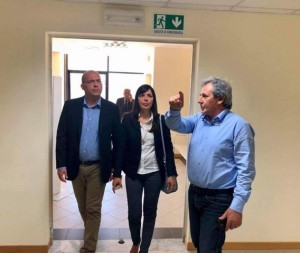 il consigliere Di Mare e la deputata Cannata col dirigente Asp Spina